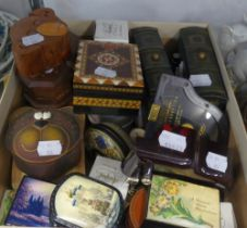 A SELECTION OF WOODEN, LACQUERED AND POTTERY TRINKET BOXES AND A MUSICAL MINIATURE GRAND PIANO