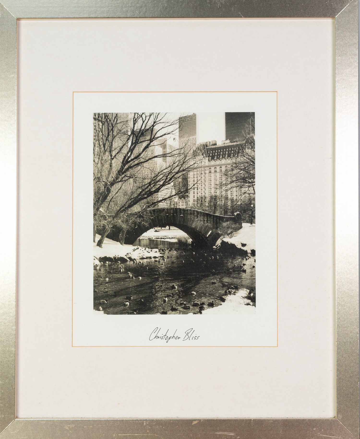 CHRISTOPHER BLISS (AMERICAN) TWO BLACK AND WHITE PHOTOGRAPHIC PRINTS New York Cityscapes each with - Image 4 of 4