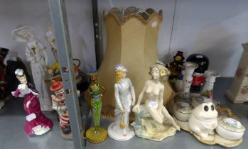 SUNDRY ORNAMENTS, MAINLY RESIN OR CERAMIC AND A RESIN FEMALE FIGURE TABLE LAMP AND SILK SHADE