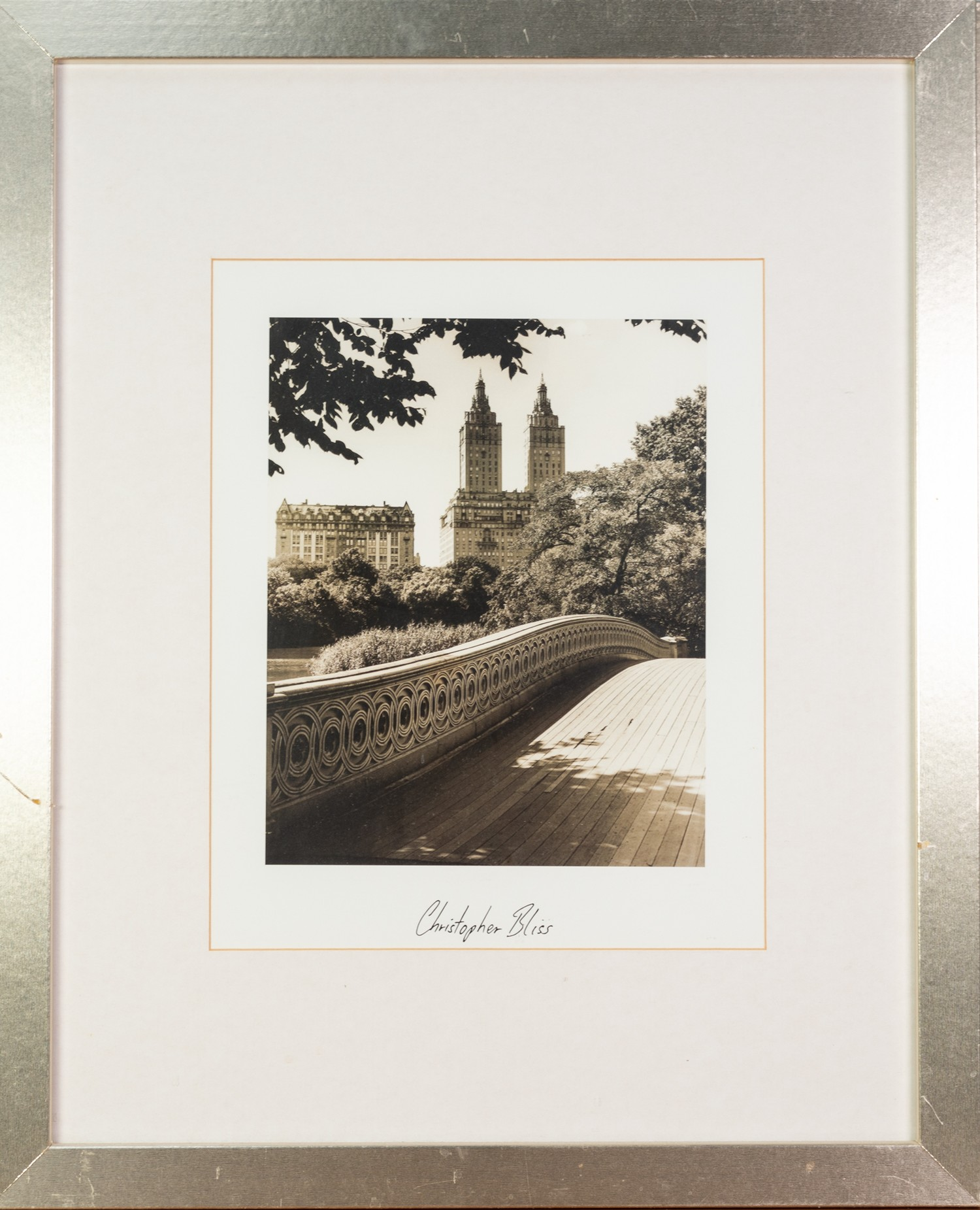 CHRISTOPHER BLISS (AMERICAN) TWO BLACK AND WHITE PHOTOGRAPHIC PRINTS New York Cityscapes each with - Image 2 of 4