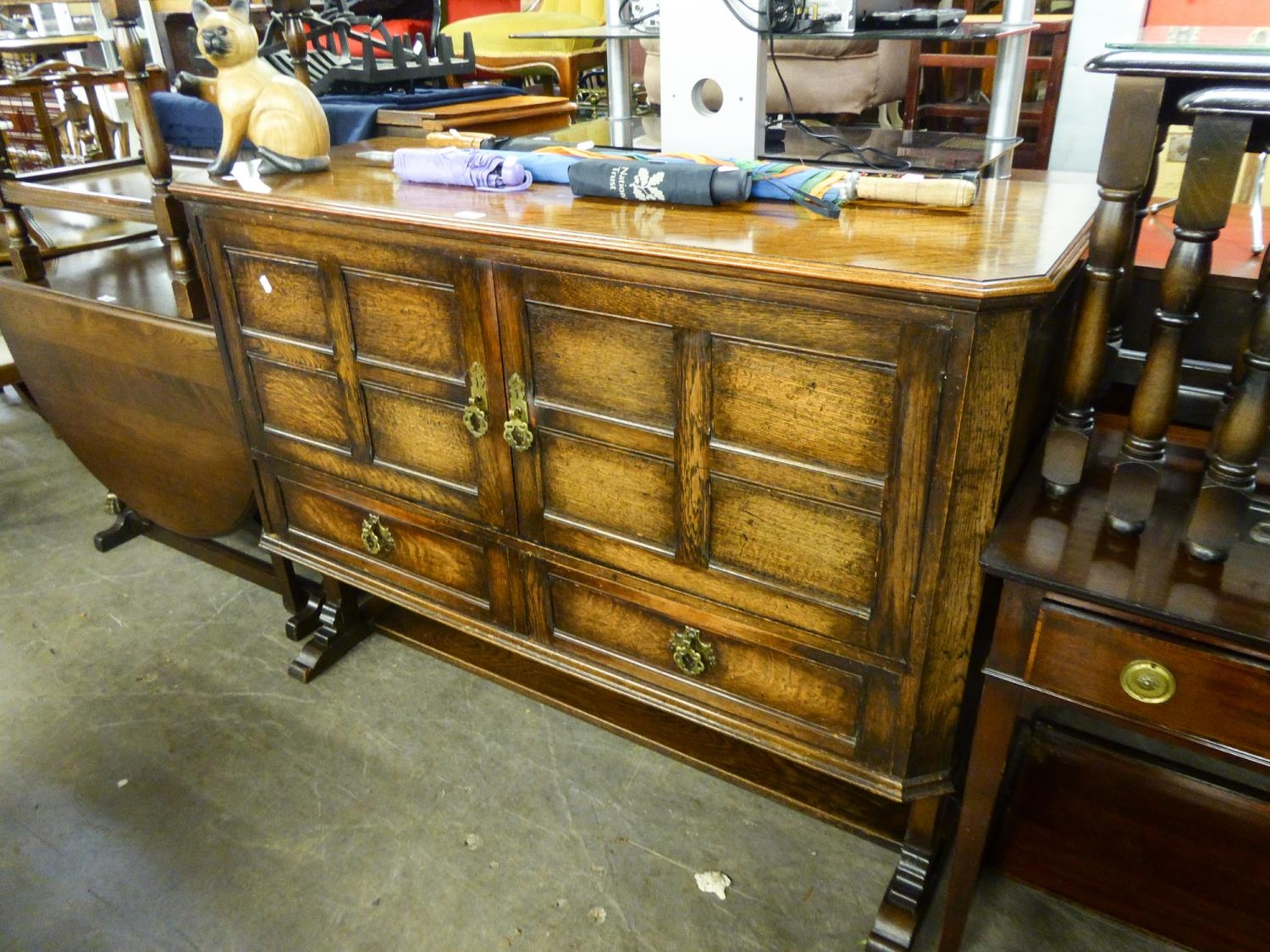?THOROGOOD FURNITURE?, BATH CABINET MAKERS (BMC), 17TH CENTURY STYLE OAK SIDEBOARD, WITH TWO