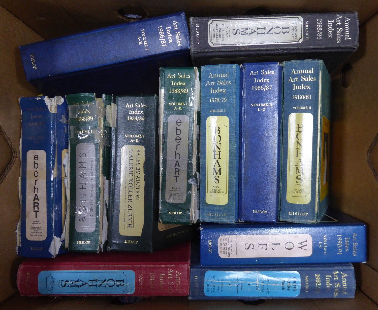 A large quantity of Annual Art Sales Index volumes, ranging from 1980s-1990s, pub Hislop, approx