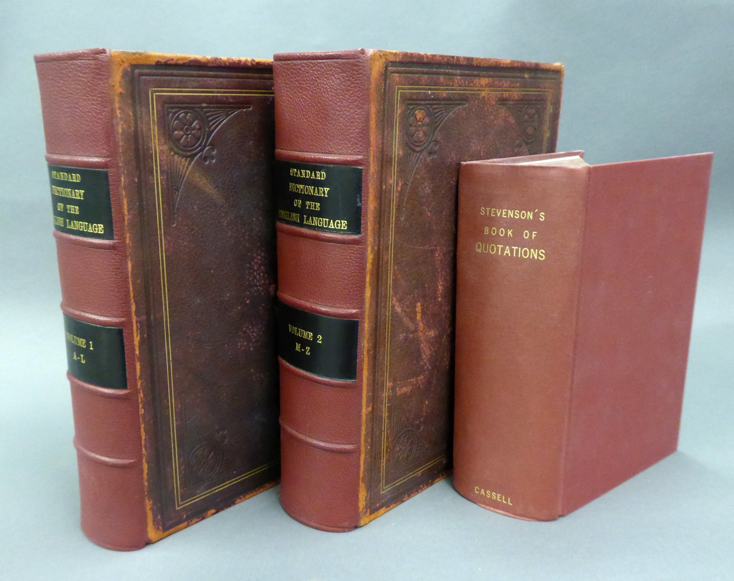 Standard Dictionary of English Language, Funk and Wagnalls Company 1907, 2 vol, re-cased, full