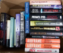 A quantity of modern Thriller and Crime Fiction, various authors to include Michael Crichton,
