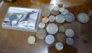 DAILY MAIL PRESENTATION FIRST WORLD WAR COMMEMORATIVE ?KINGS SHILLING?, MOUNTED IN A POSTCARD; A