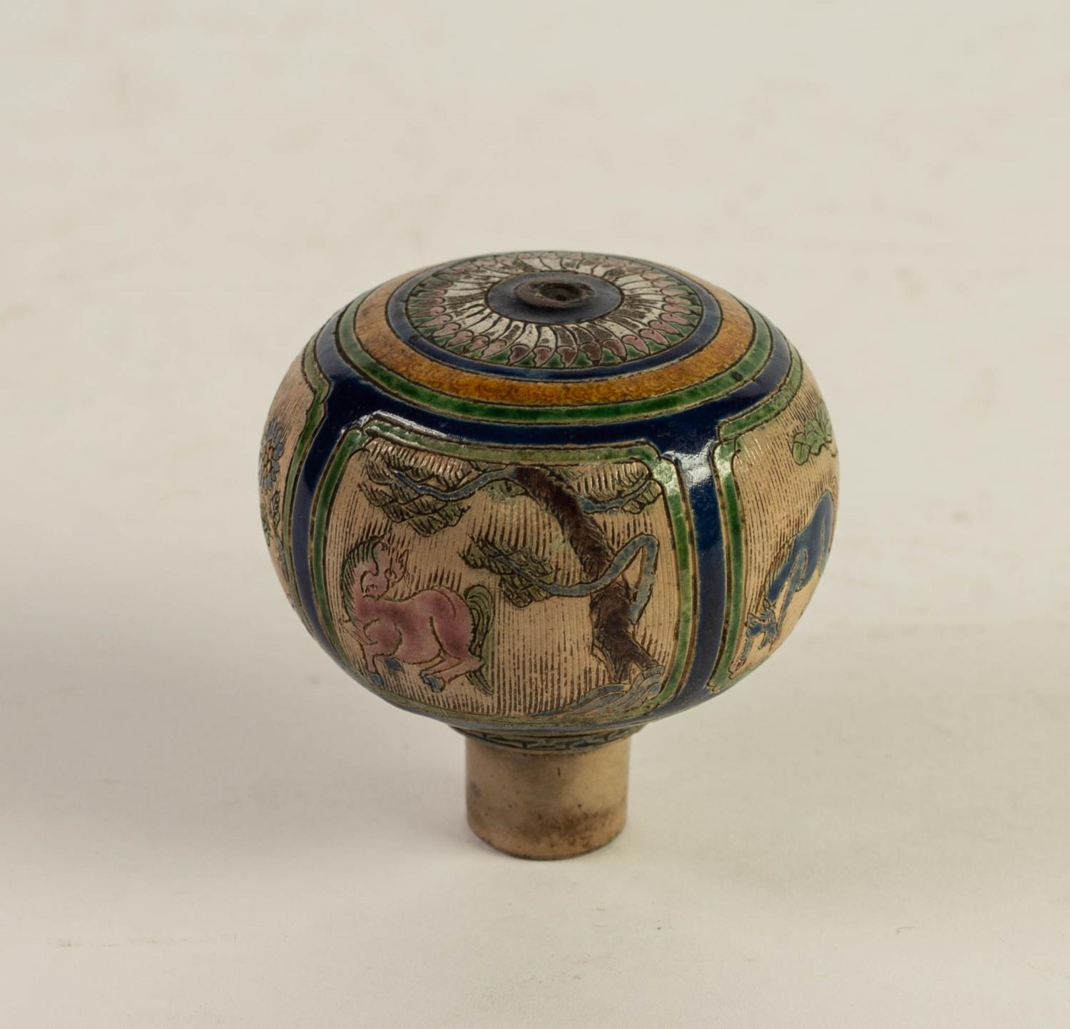 CHINESE QING DYNASTY PORCELANEOUS ORBICULAR KNOB OR FINIAL, incised and enamelled with four panels - Image 4 of 6