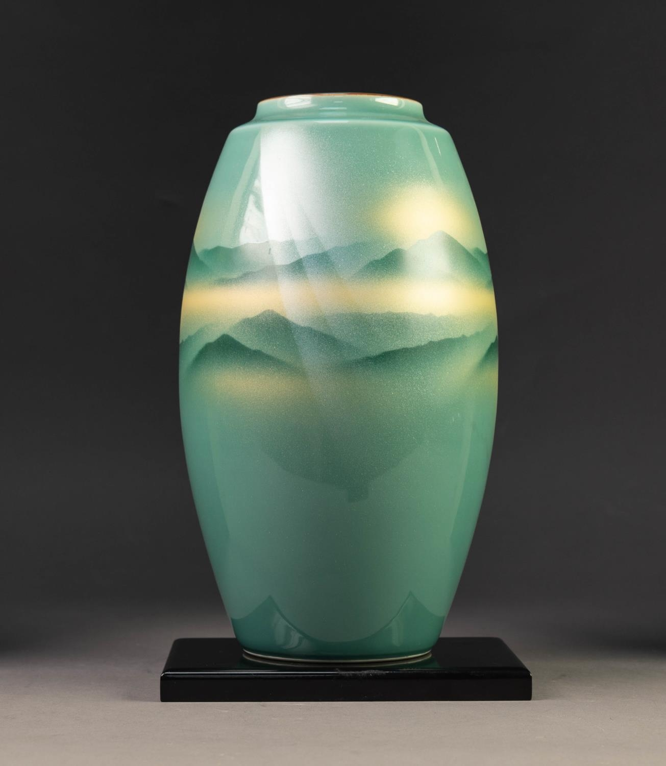 MODERN JAPANESE KUTANI WARE PORCELAIN VASE, of ovoid form, decorated in sprayed shades of green - Image 3 of 5