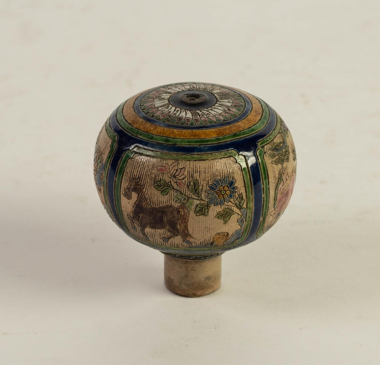 CHINESE QING DYNASTY PORCELANEOUS ORBICULAR KNOB OR FINIAL, incised and enamelled with four panels - Image 3 of 6