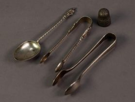 FOUR SMALL PIECES OF VICTORIAN AND LATER SILVER, comprising: APOSTLE TOP TEASPOON and MATCHING