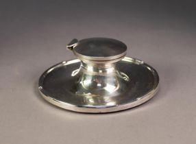 GEORGE V SILVER LARGE CAPSTAN INKWELL, plain with hinged lid (no liner), the broad circular dishes