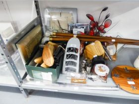MIXED LOT TO INCLUDE; SMALL GLASS PICTURE FRAMES, OTHER SMALL PICTURE FRAMES, A WALL CLOCK, SETS