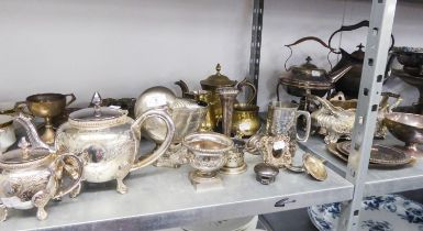 QUANTITY OF EARLY TWENTIETH CENTURY AND LATER ELECTROPLATE INCLUDING; A WALKER AND HALL 'NAUTILUS'
