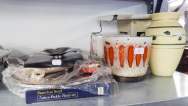 STAINLESS STEEL LARGE PLATTER, STAINLESS STEEL PICKLE/PARTY SET (BOXED), OTHER ELECTROPLATE ITEMS