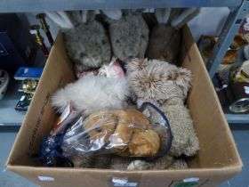 TWO TEDDY BEARS AND OTHER SOFT TOYS (CONTENTS OF A BOX)