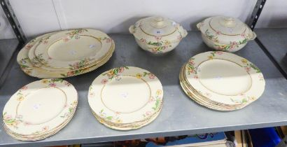A 25 PIECE 1930's ALFRED MEAKIN ROYAL MARIGOLD 'ELSTREE 'PATTERN POTTERY DINNER SERVICE