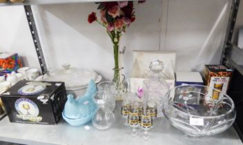 A LARGE STYLISH GLASS FRUIT BOWL, A SQUARE DECANTER AND STOPPER, A CAITHNESS CRYSTAL TANKARD (