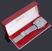 A gentleman's stainless steel Omega electronic f300 Hz Geneve chronometer bracelet watch, c.1970