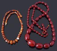 A single row graduated olive shaped cherry coloured bakelite bead necklace