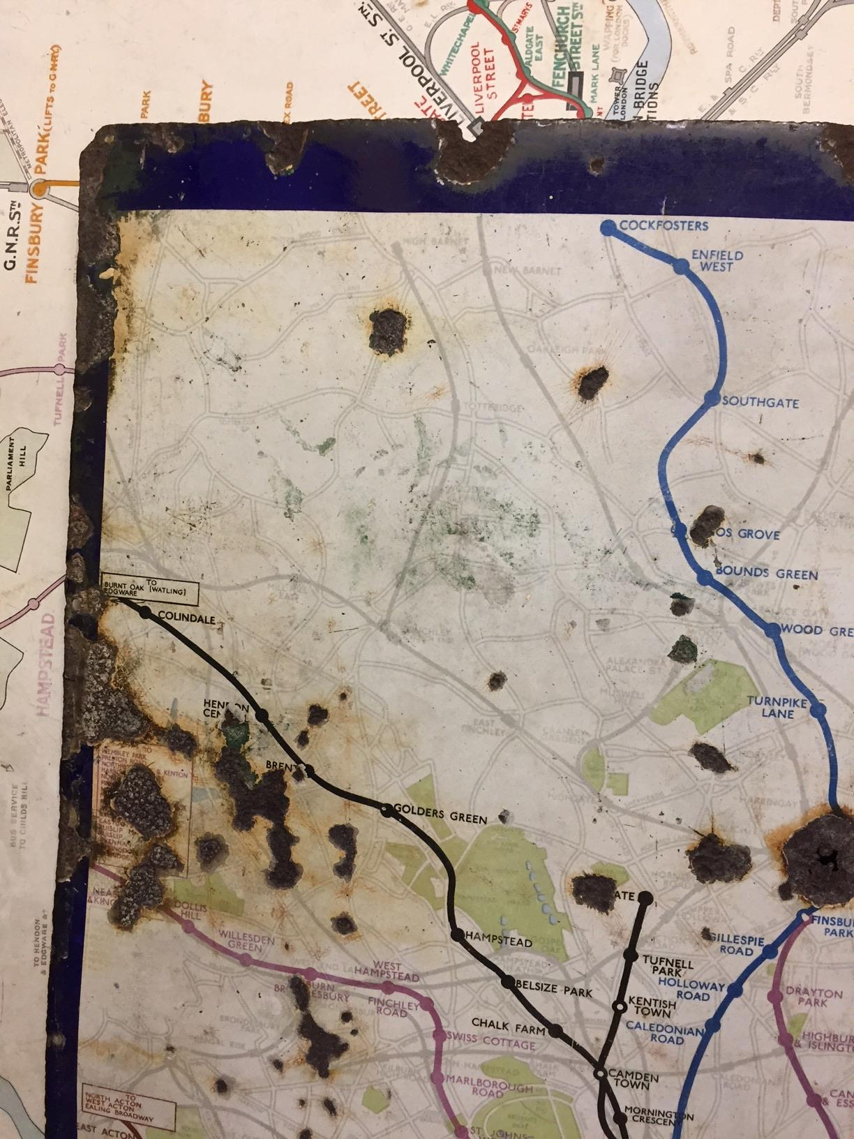 An early 20th century enamel map of the London Underground network,showing only the central London - Image 4 of 5