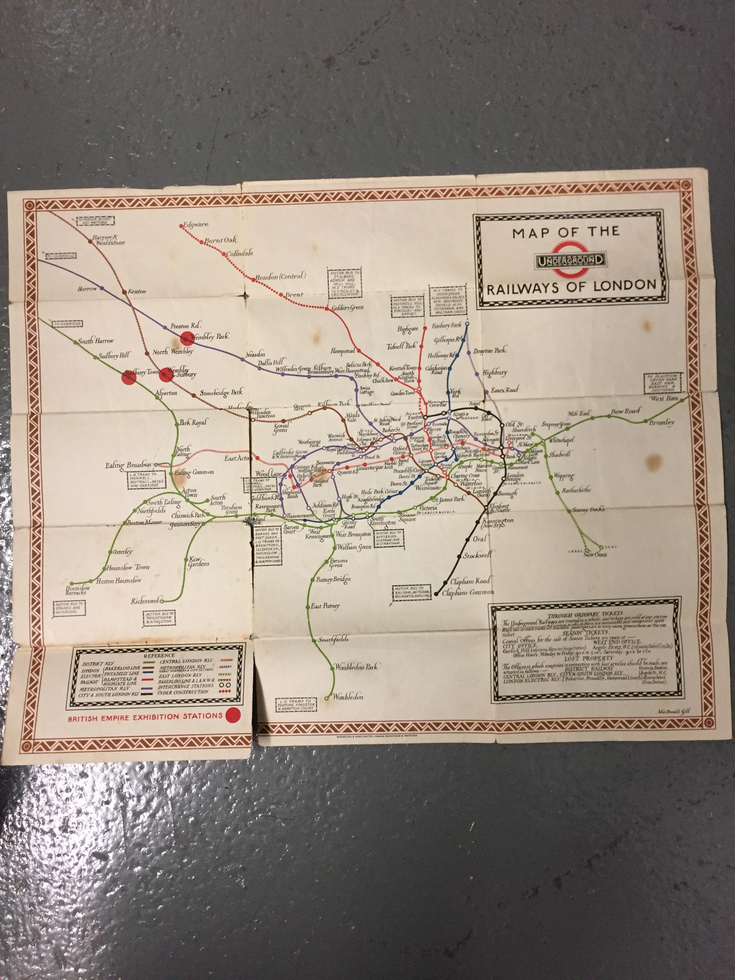 Nine 1910/20s folding pocket maps for London transport,comprising a 1916 General Omnibus Map of some - Image 13 of 15