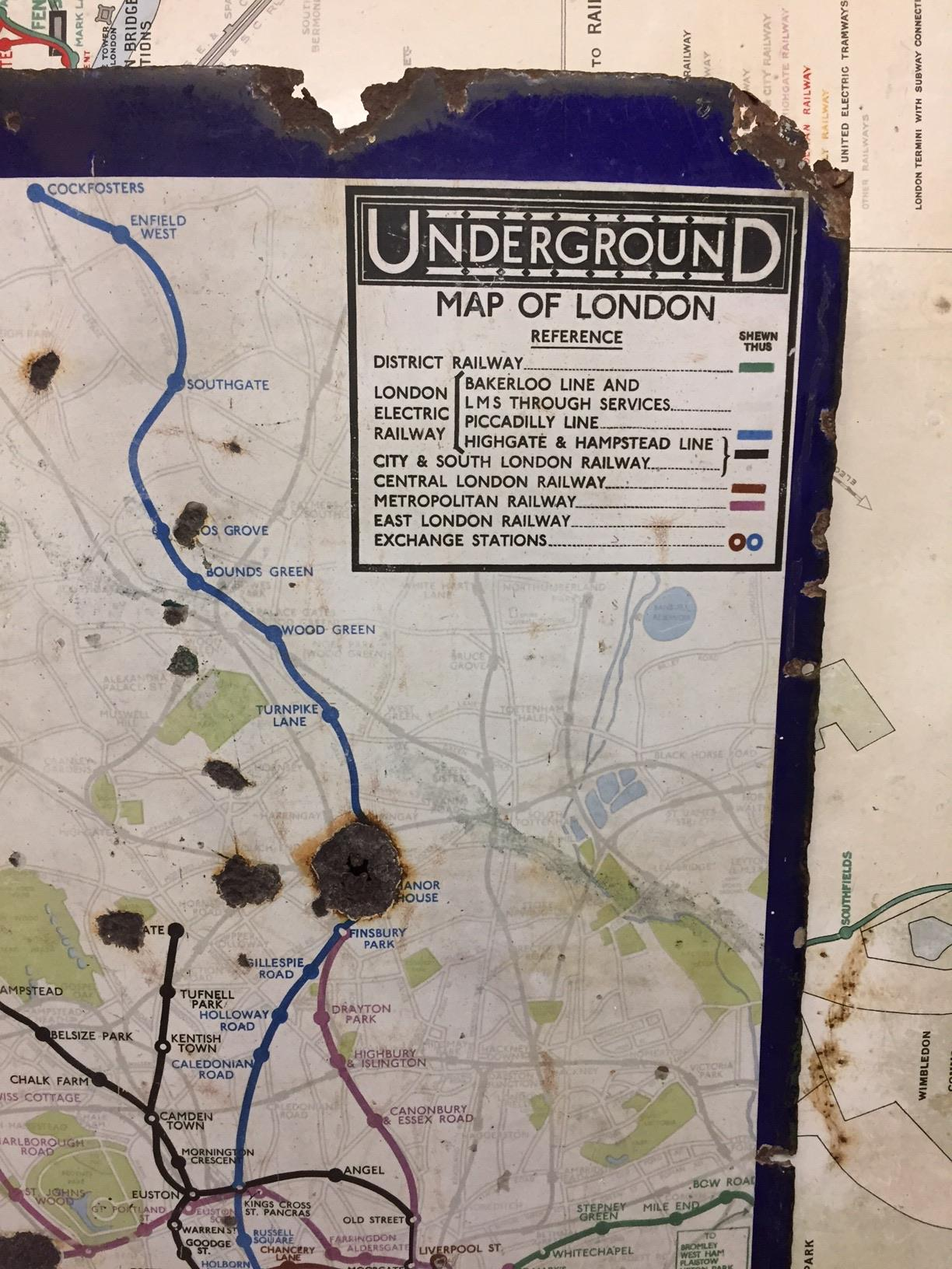 An early 20th century enamel map of the London Underground network,showing only the central London - Image 5 of 5