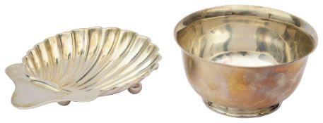 An Edwardian silver shell shaped butter dish and a George V silver sugar basin