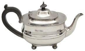 A George V silver teapot,