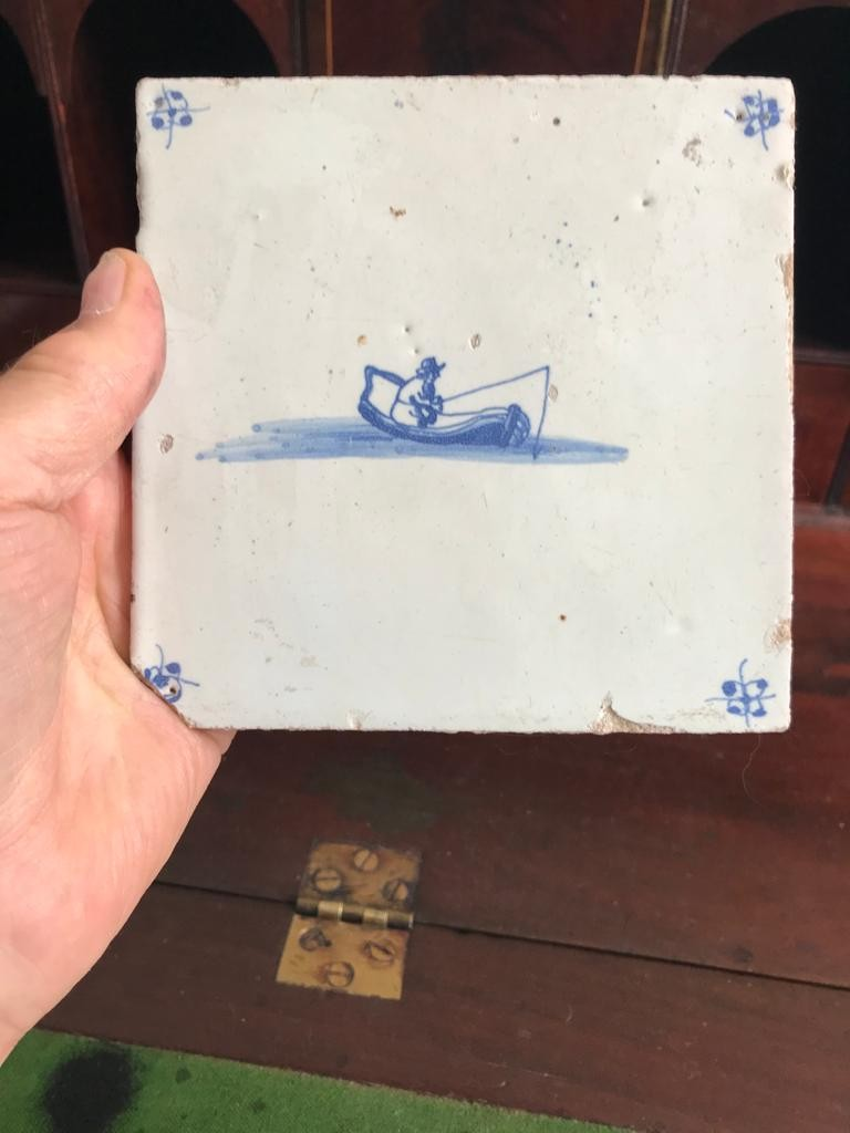 THREE EARLY DUTCH DELFT TILES, TWO APPROXIMATELY 12.5cm, ONE APPROXIMATELY 10.5 x 12.5m - Image 4 of 4