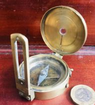 BRASS SIGHTING COMPASS STAMPED 'STANLEY LONDON', DIAMETER APPROXIMATELY 5.25cm