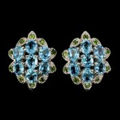 A pair of 925 silver blue topaz and chrome diopside set earrings, L. 2.1cm.
