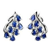 A pair of 925 silver earrings set with pear cut sapphires, L. 2.5cm.