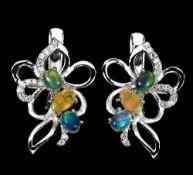 A pair of 925 silver opal set earrings, L. 2cm.
