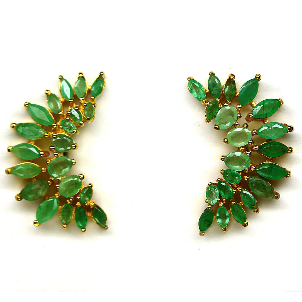 A pair of 925 silver gilt earrings set with marquie cut emeralds, L. 2.5cm.