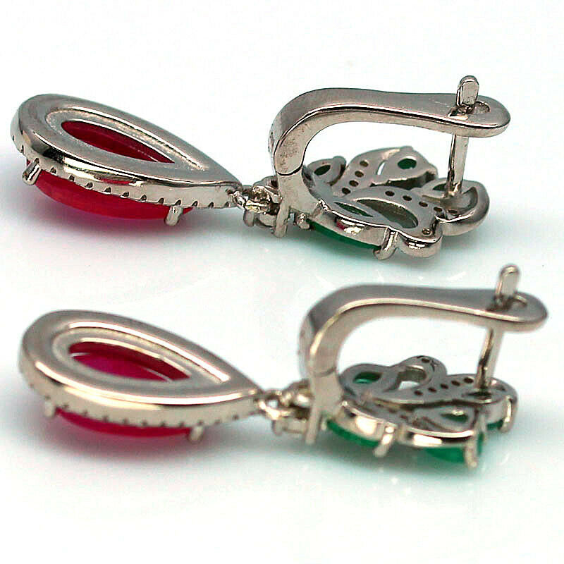 A pair of 925 silver drop earrings set wieht emeralds and cabochon cut rubies, L. 3.3cm. - Image 2 of 2