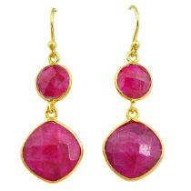 A pair of 925 silver drop earrings set with rubies, L. 4cm.