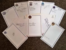 Football Legends collection 11 signature pieces some great names includes Peter Bonetti, Terry
