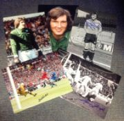 Football Goalkeepers collection includes 5 signed photos from some great keepers from the British