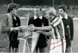 Autographed Jimmy Greenhoff 12 X 8 Photo B/W, Depicting The Stoke Captain Exchanging Pennants With