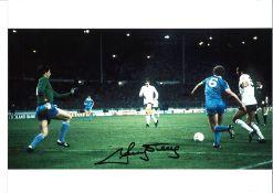 Ricky Villa Wembley Goal Tottenham Signed 16 x 12 inch football photo. Good condition. All