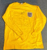 Football Gordon Banks signed England 1966 retro Goalkeepers shirt. Good condition. All autographs