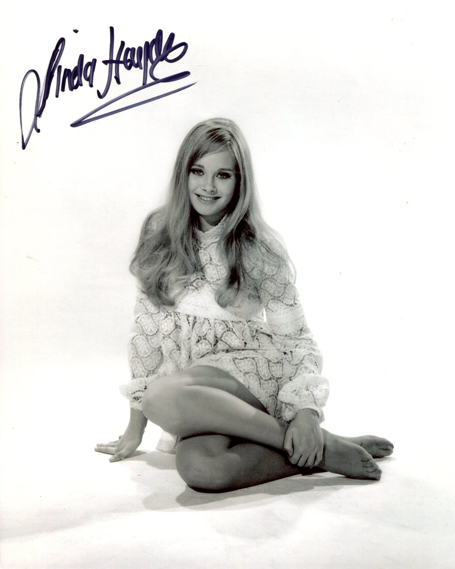 Hammer Horror 8x10 photo signed by Hammer Horror movie actress Linda Hayden. Good condition. All