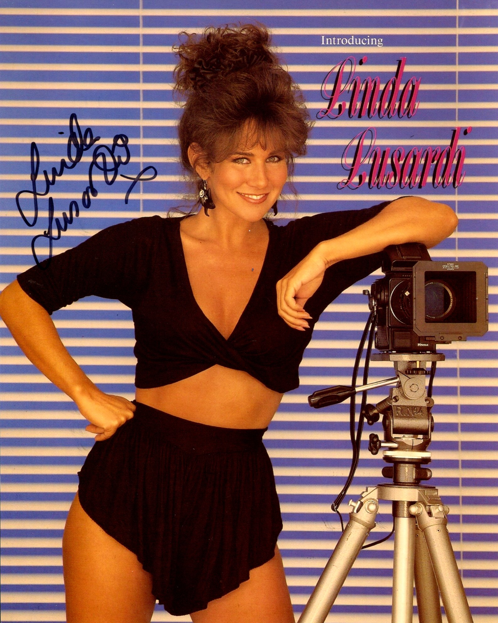 Linda Lusardi, 8x10 photo signed by former Page 3 model Linda Lusardi. Good condition. All