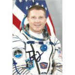 Terry Virts, American Soyuz Cosmonaut signed 6 x 4 colour photo. Virts is a retired NASA
