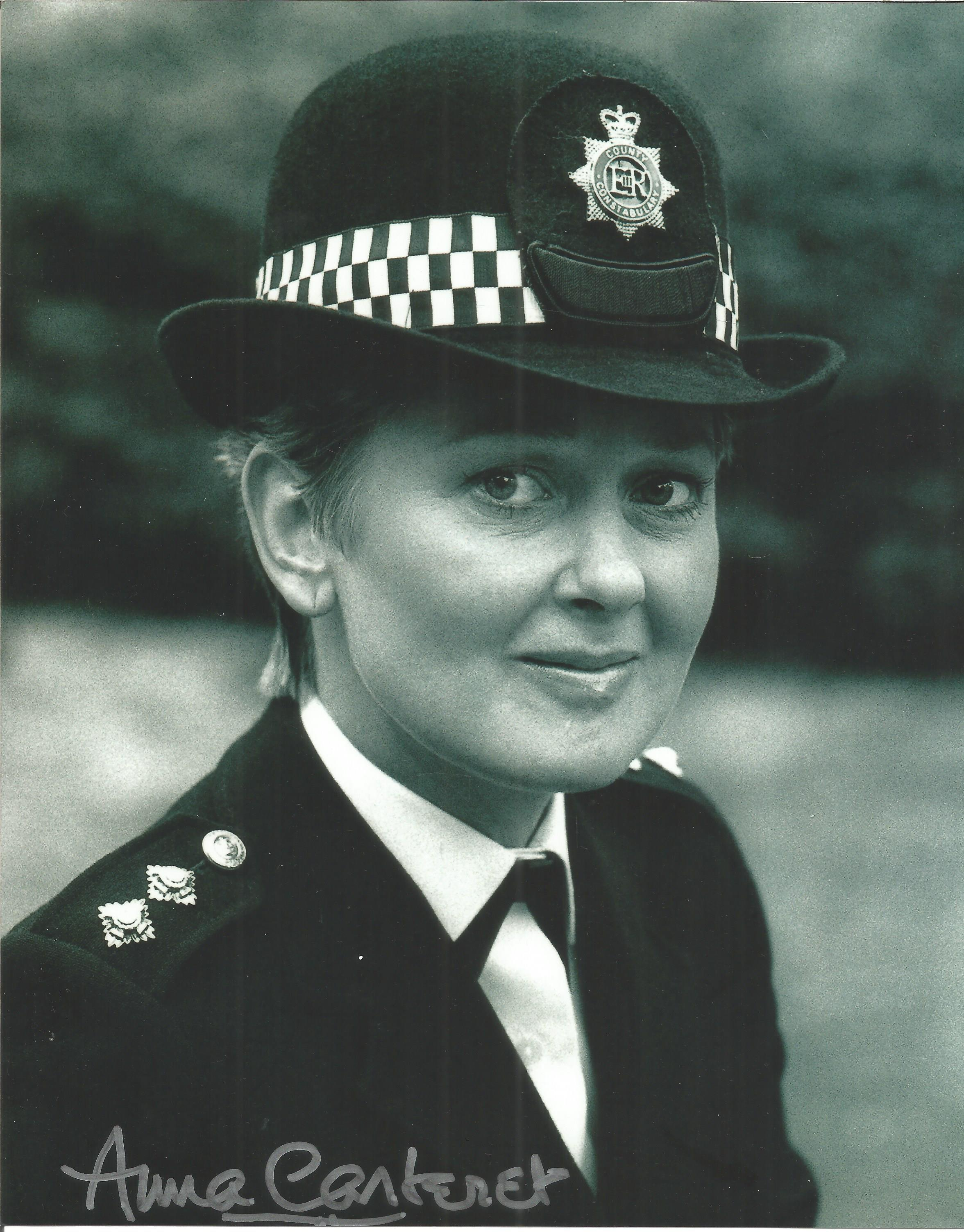 Anna Carteret signed 10x8 black and white image. Image is taken from her role as Juliet Bravo.