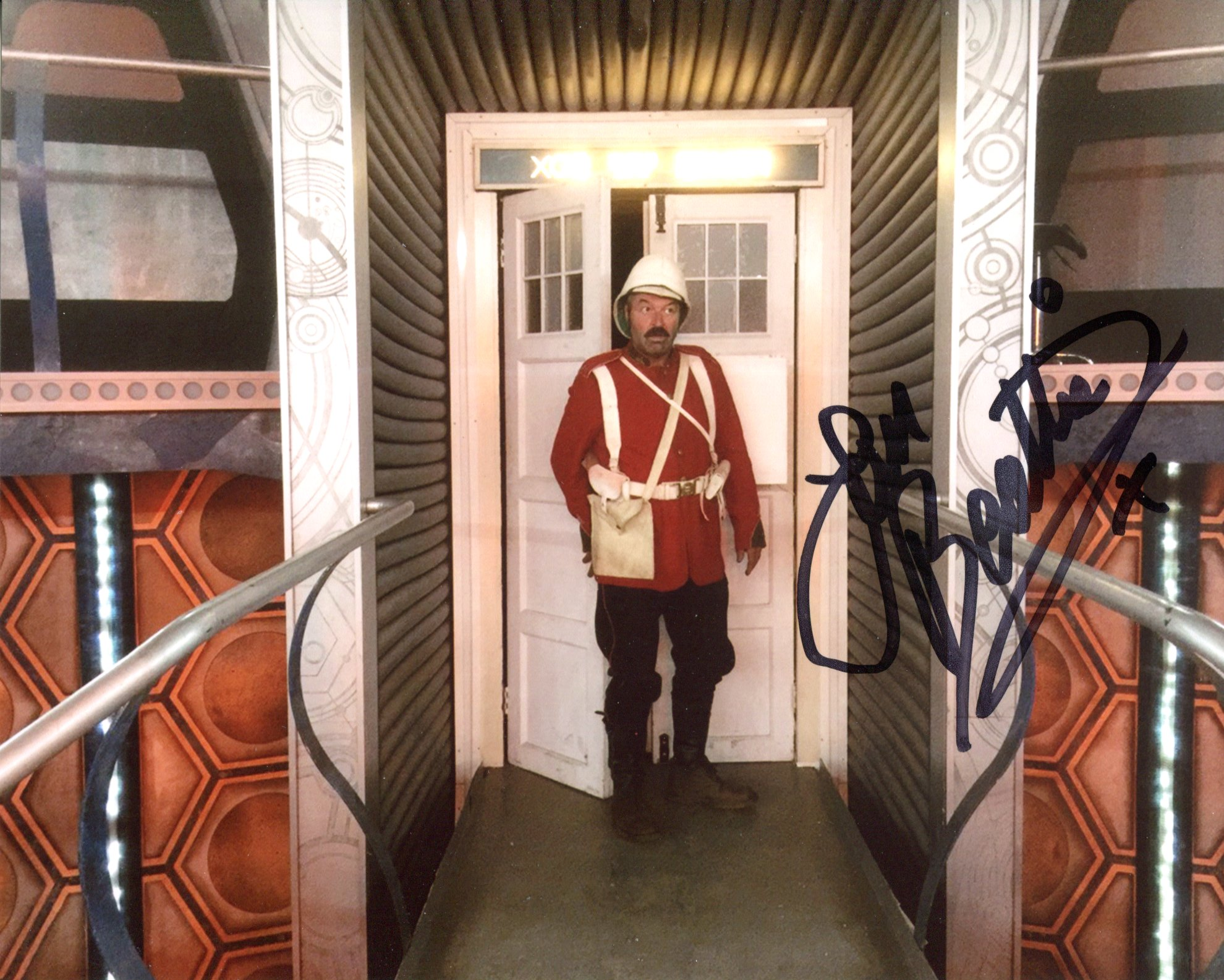 Doctor Who 8x10 scene photo signed by actor Ian Beattie. Good condition. All autographs come with
