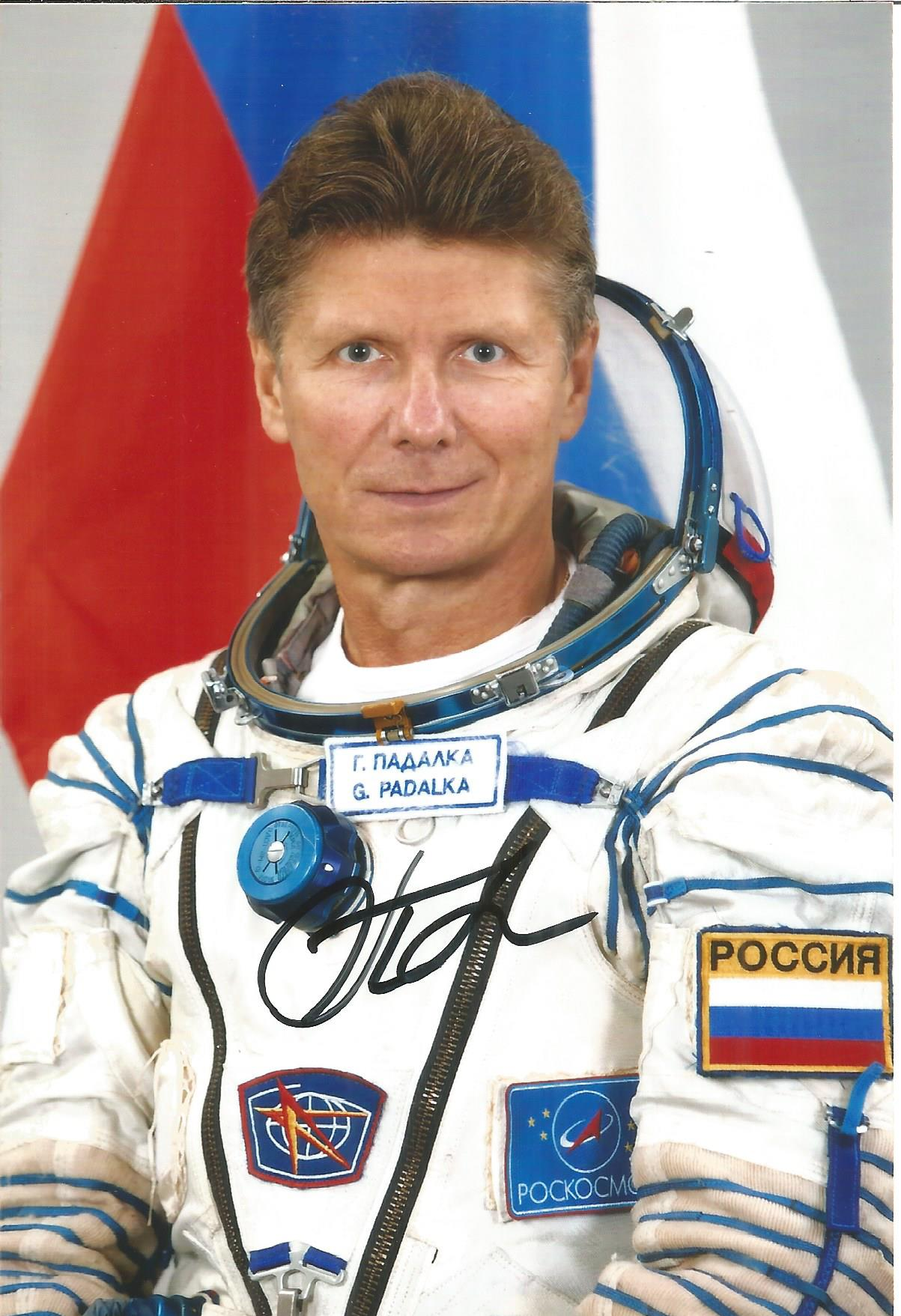 Gennady Padalka, Russian Soyuz Cosmonaut signed 6 x 4 colour photo. Padalka is a Russian Air Force