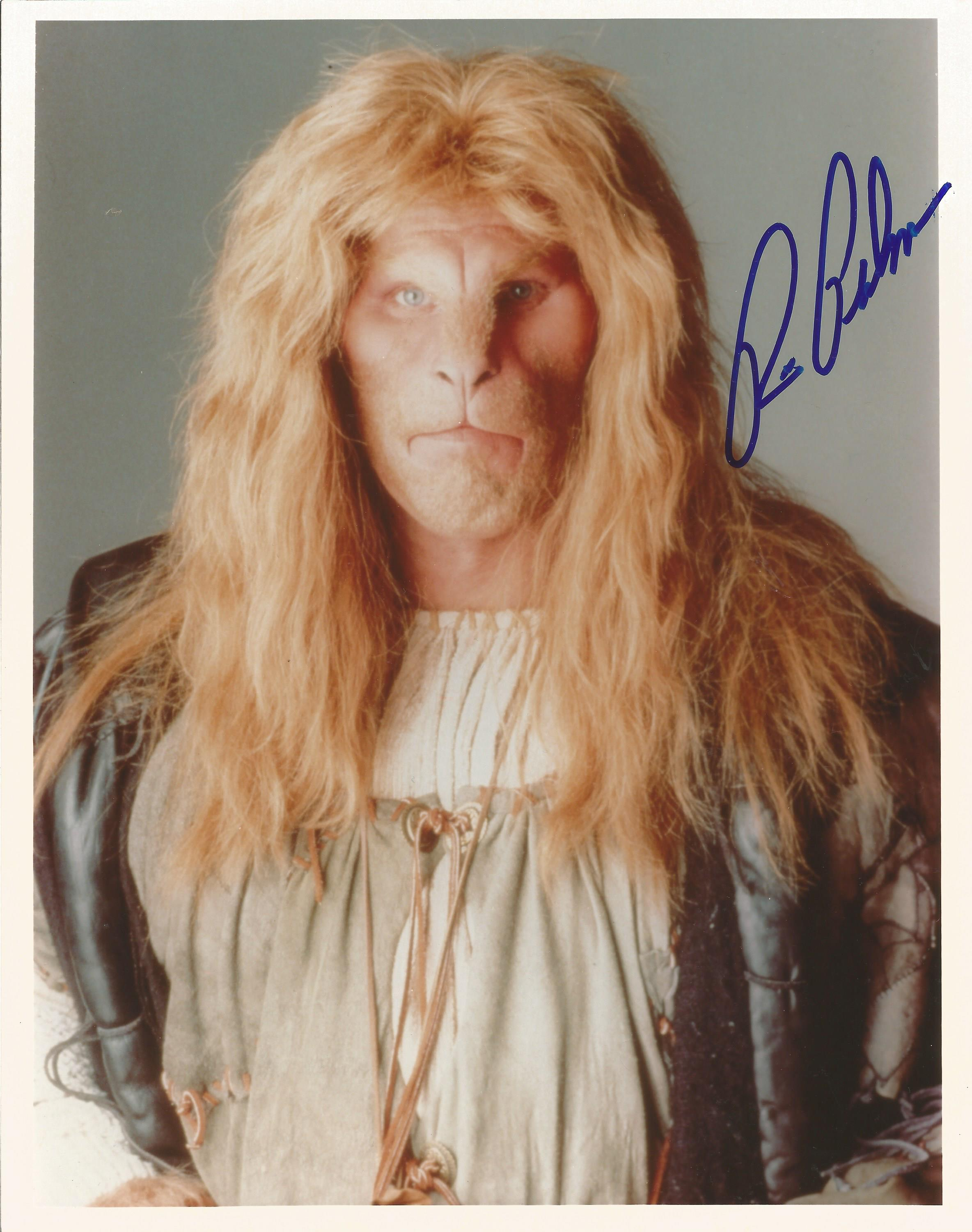 Ron Perlman signed 10x8 colour photograph pictured as he plays Vincent in the 1987 film series-