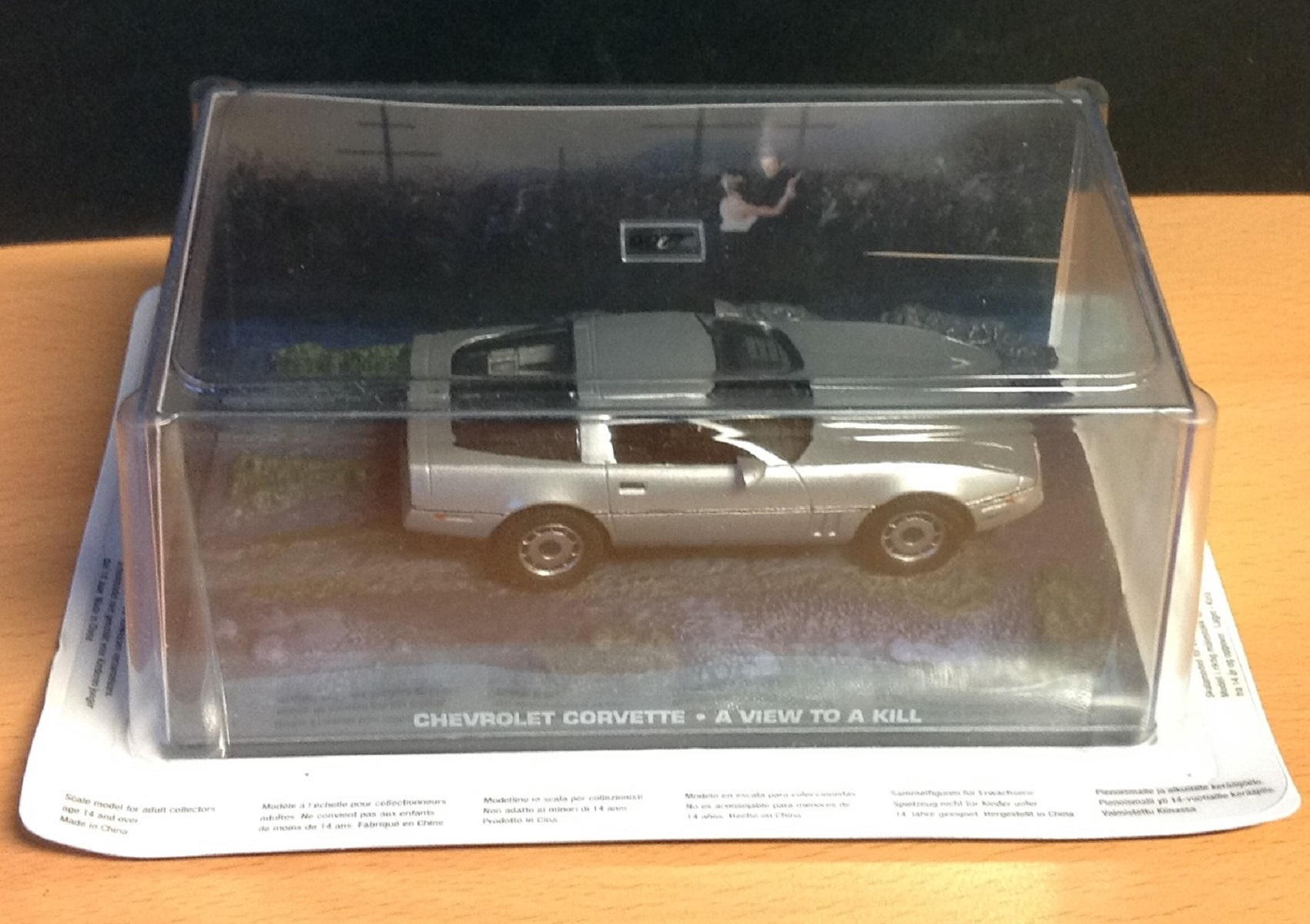 James Bond car collection edition no 37 Chevrolet Corvette scale Model from A View To A Kill comes - Image 2 of 2