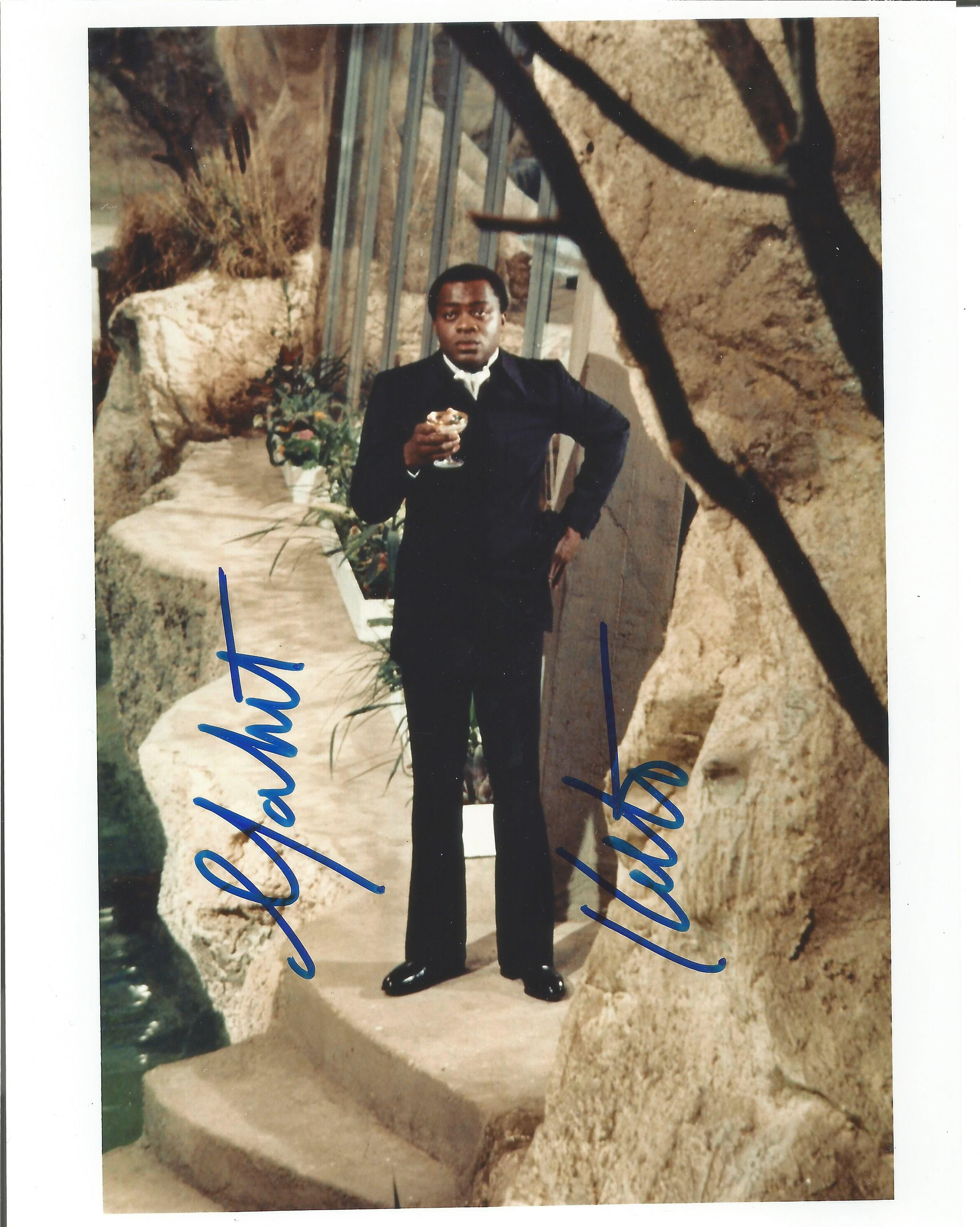 Yaphet Kotto signed 10x8 colour photograph taken during his role as Dr Kananga, Mr Big during Live