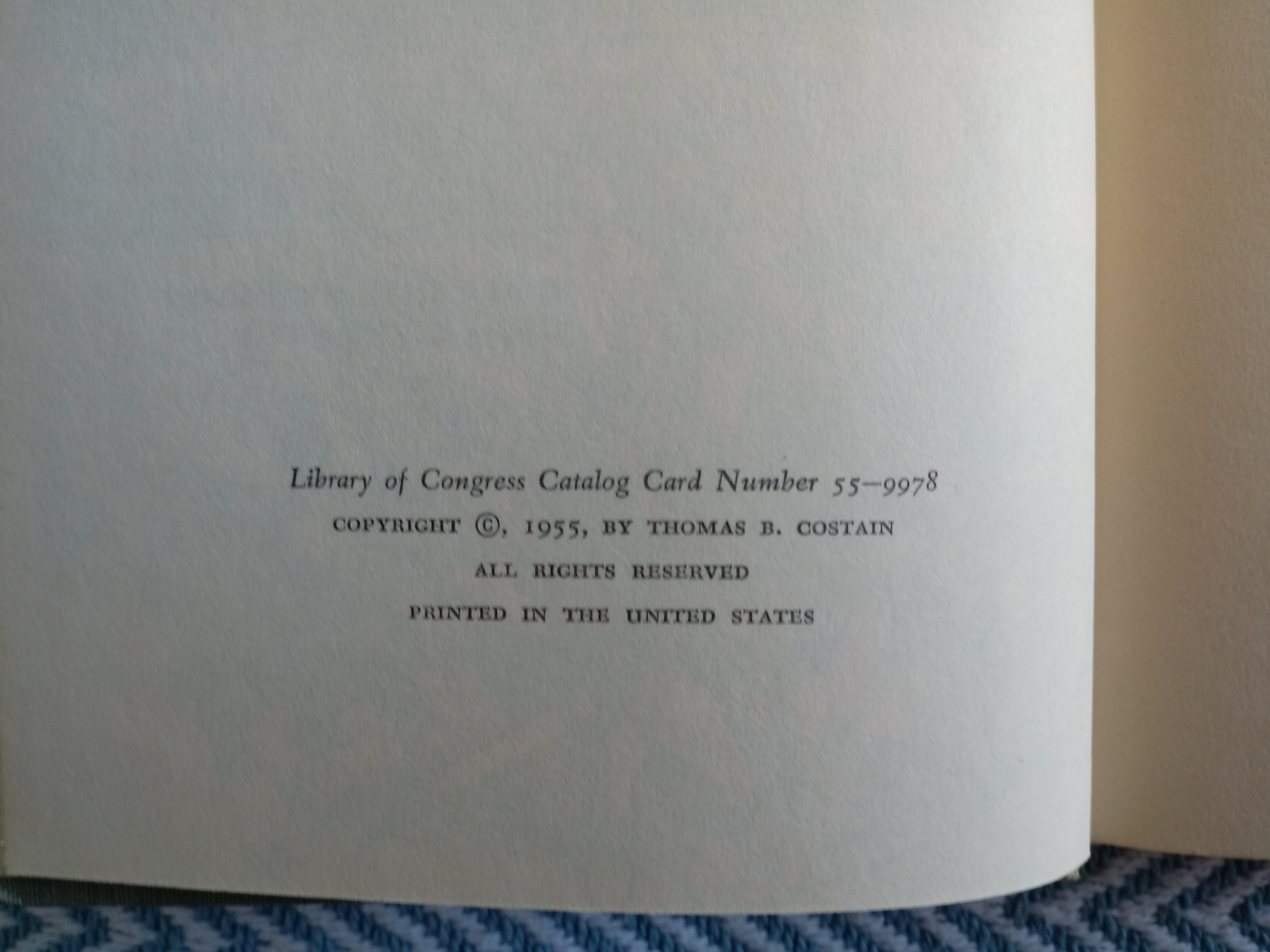 2 x The Tontine Volumes 1&2 by Thomas B. Costain hardback books 465 and 930 pages with inscription - Image 8 of 8